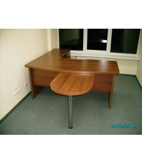 Стол руководителя 1,8 х 2,7 х 0,765Н (комплект КСУ 180, КСР, КПМ)